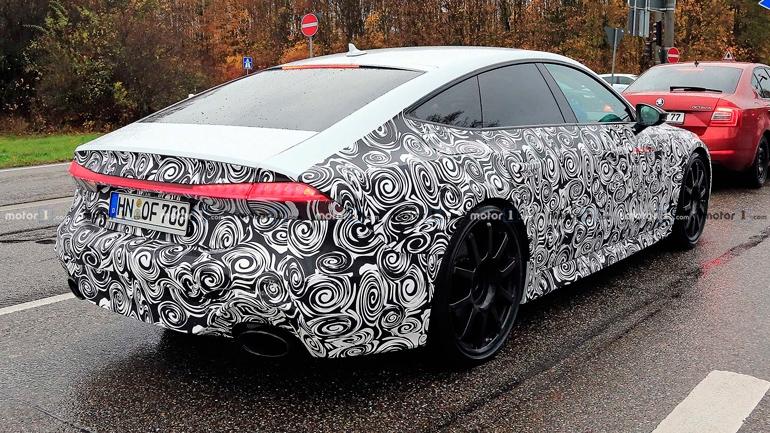 Опубликованы шпионские снимки новой Audi RS7