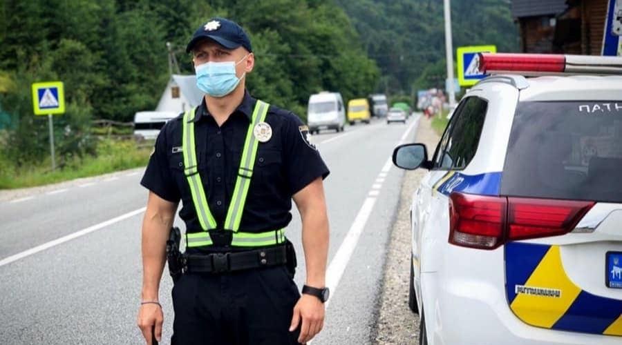 Суды массово отменяют штрафы полиции для автомобилистов в Украине: подробности