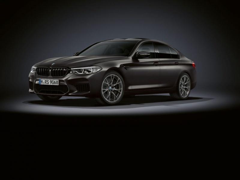 BMW отметила 35-летие M5 юбилейной версией суперседана