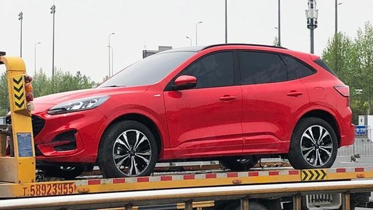 Ford в Шанхае презентовал новый Escape ST-Line
