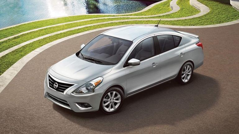 Седан Nissan Versa сменит поколение в этом году