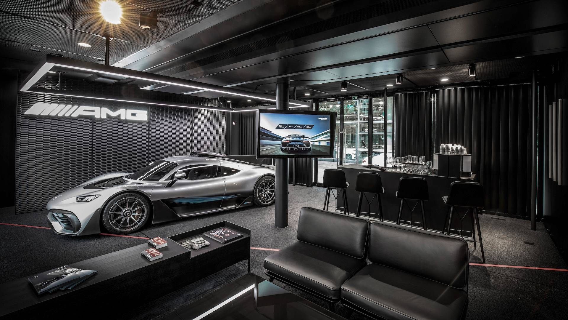 Поставки Mercedes-AMG One отложили из-за экологических нормативов