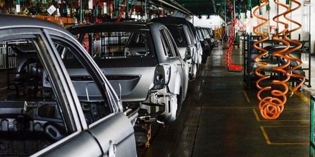 Украинские автопроизводители продолжают снижать свои обороты