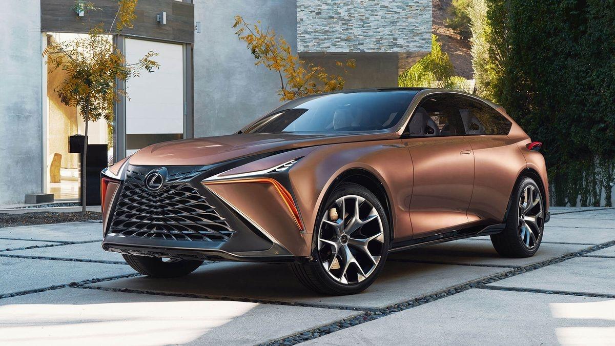 В Lexus придумали название для электрического купе-кроссовера
