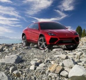 Первый кроссовер Lamborghini показал свои внедорожные способности