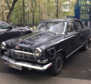 Украинец превратил Mercedes W210 в ГАЗ-21