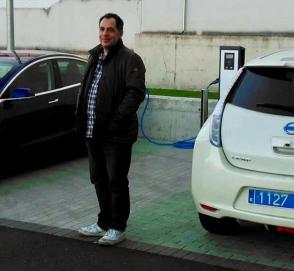 Автолюбитель рассказал, как он стал первым таксистом на электрокаре