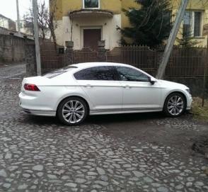 Нерастаможенный автомобиль с самым «мажорным» номером замечен в Украине