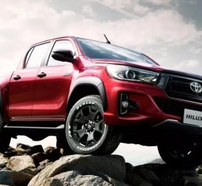 Пикап Toyota Hilux получил подарок на юбилей