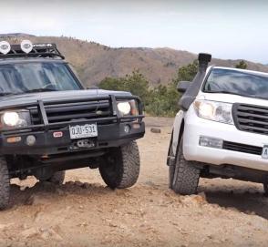 Land Rover Discovery сошелся с Toyota Land Cruiser в гонке