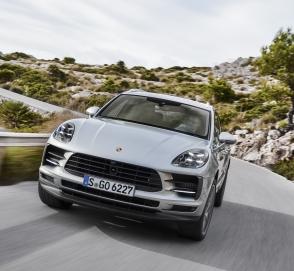 Porsche Macan получил S-версию с новым турбодвигателем V6