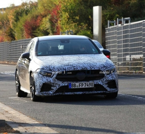Седан Mercedes-AMG A35 вывели на тесты
