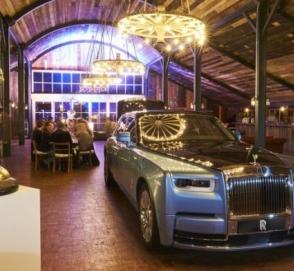 Rolls-Royce предложил автомобилистам выпить крепкий алкоголь