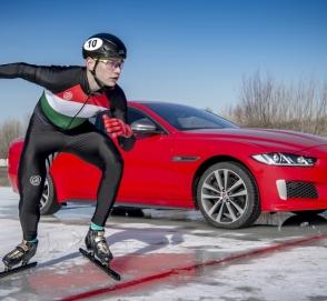 Jaguar XE сразился в скорости с конькобежцем-олимпийцем
