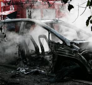 В Украине электромобиль сгорел сразу после зарядки