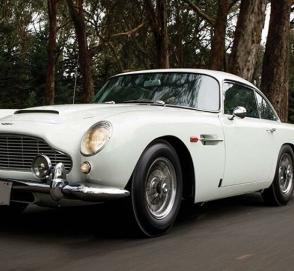 Автомобиль Джеймса Бонда продали на аукционе