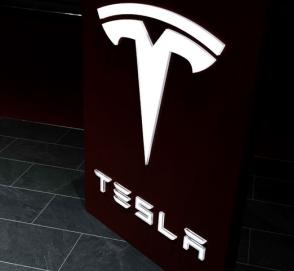 Tesla бьет все рекорды производства и продаж