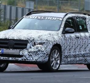 Mercedes вновь засветил модель GLB