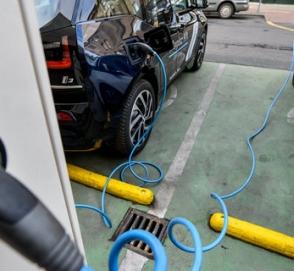 В ГСН появилась норма об электрозарядках на парковках