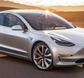 Tesla начала производить по 1 000 электромобилей Model 3 в день
