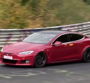 Видео: Tesla продолжает готовиться к рекорду на Нюрбургринге