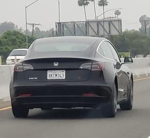 Электромобиль Tesla Model 3 превратили в Honda Civic