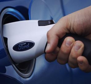 Дебютный электрокросс марки Ford получит дизайн в стиле «Мустанга»
