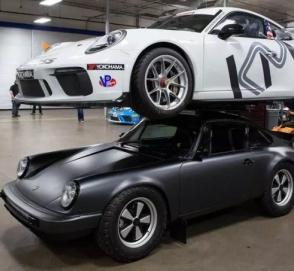 Американцы поставили на крышу Porsche 911 ещё один Porsche