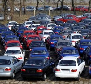 Украинских депутатов хотят пересадить на отечественные автомобили