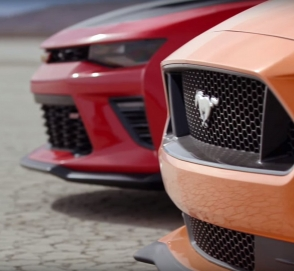 Ford Mustang GT и Chevrolet Camaro SS 1LE сразились в гонке