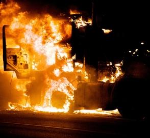 «Удачно» припарковался: маневр фуры закончился мощным взрывом