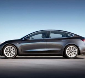 Тормоза Tesla Model 3 оказались не готовы к суровым испытаниям