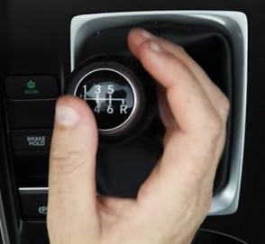 Honda пытается научить американцев ездить «на механике»
