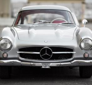 В заброшенном гараже нашли спорткар стоимостью миллион долларов