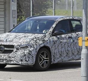 Новый Mercedes-Benz GLA-Class был замечен на улицах