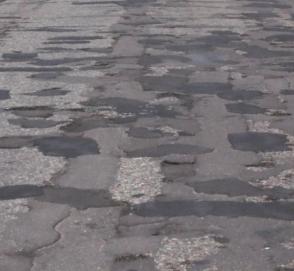 Премьер-министр пообещал украинцам европейские дороги в короткие сроки