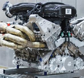 Aston Martin показал мотор нового гиперкара Valkyrie