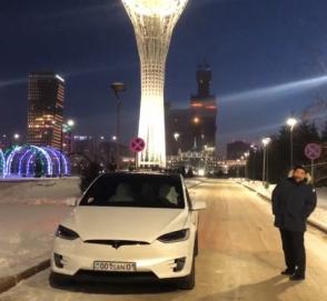 Как «ведут себя» двери электромобиля Tesla при 40-градусном морозе