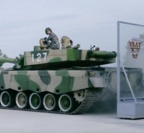 «50 тонн в заносе»: как китайцы «паркуют» танки в узком пространстве