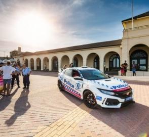 В Сети появились фото полицейской Honda Civic Type R