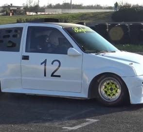 Fiat 500 «зарядили» мотором от гипербайка