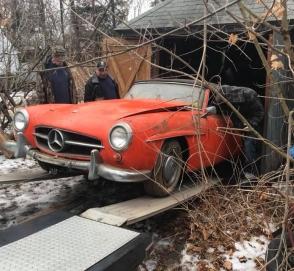 Классический Mercedes-Benz четыре десятилетия пылился в заброшенном гараже