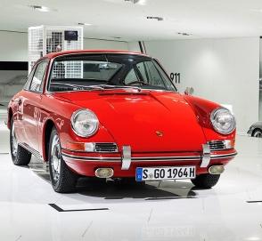 Компания Porsche показала «древнейший» 911-й