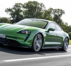 В Porsche слабым звеном модели Taycan назвали его водителя