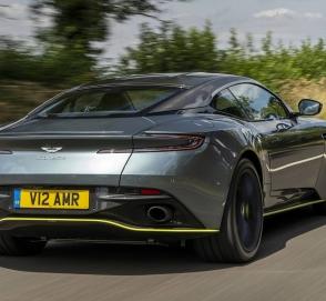 В Запорожье «засветился» новейший британский суперкар Aston Martin DB11