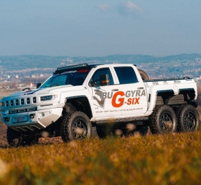 Чехи превратили Chevrolet Silverado в трехосного монстра