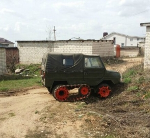 Украинец превратил внедорожник в аппарат для копания картошки