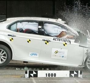 Обновленная Toyota Camry 2019 уже прошла свои первые краш-тесты