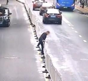 Поучительное видео для пешеходов-нарушителей