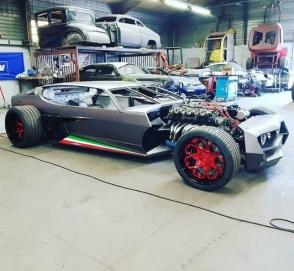 Французы превратили Lamborghini в хот-род